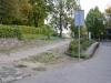 Nesterov (Stalupėnai). Luogo dove sorgeva la chiesa luterana. Oggi è rimasto soltanto un marciapiede e uno spiazzo verde oltre la siepe. Nei pressi di questa chiesa doveva trovarsi la scuola dove KD lavorò negli anni 1740-43.