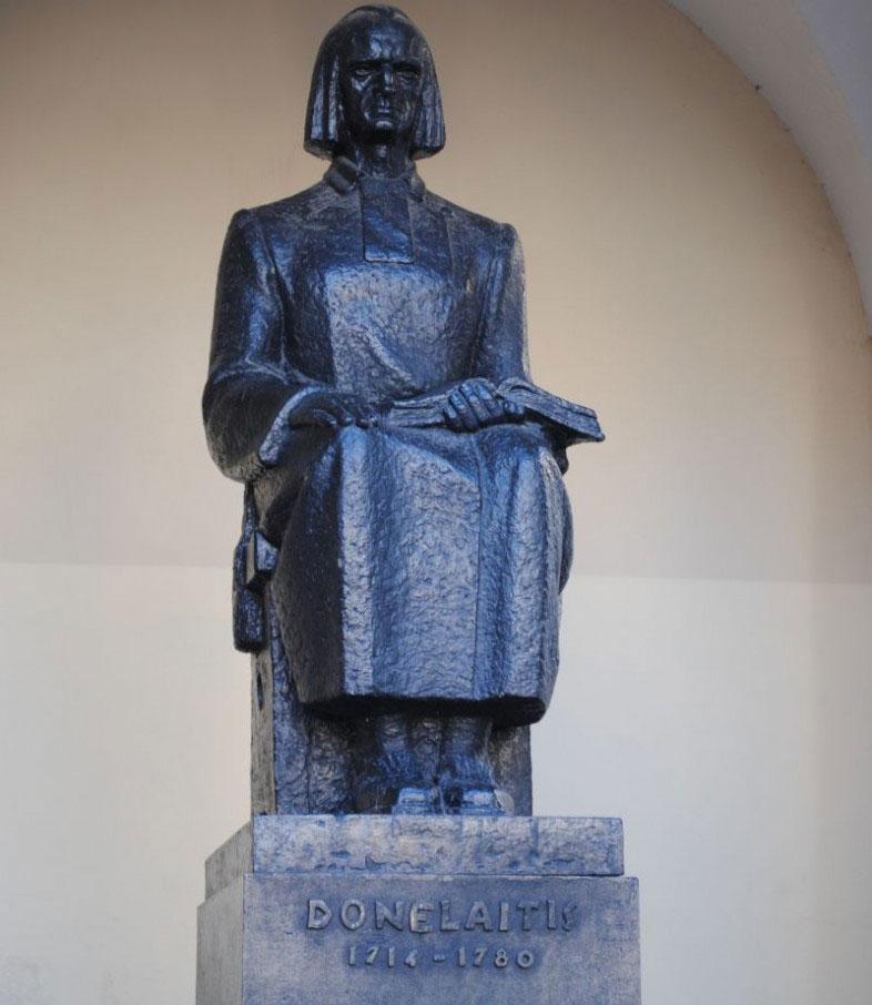 Le opere di kristijonas donelaitis for Piani portico di tre stagioni